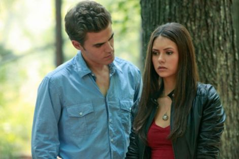 the-vampire-diaries-lost-girls-elena-stefan.jpg